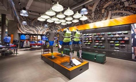 city sports shoe store stories nike opens new sports store in milan