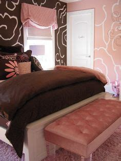 coral and brown bedroom coral orange and brown decor on pinterest coral coral bedroom and tropical bedrooms