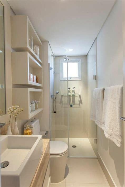 Delightful Amenagement Salle De Bain 4m2 #10: 0-salle-d-eau-6m2-carrelage-beige-mur-beige-clair-salle-d-eau-4m2-petite-fenetre-dans-la-salle-de-bain.jpg