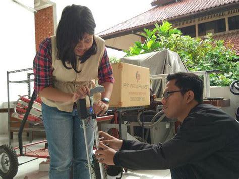 Mahasiswa Ajaib tongkat ajaib ber gps bagi tunanetra inovasi indonesia