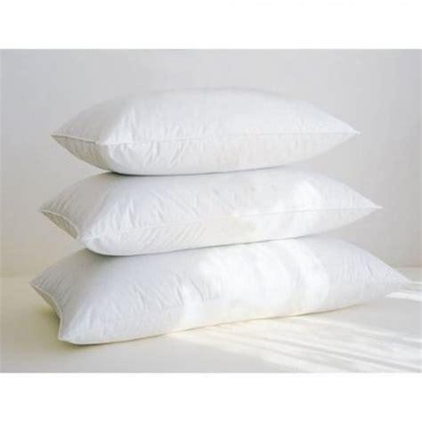 cuscini per dormire come dormire con la giusta forma cuscino
