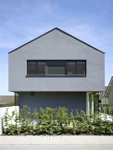 Graue Fassade Weiße Fenster by Die Besten 25 Graue Fassade Ideen Auf Wei 223 E