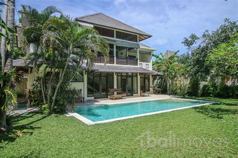 4 or 5 bedroom houses for rent five bedroom family villa on 600m2 land in beachside