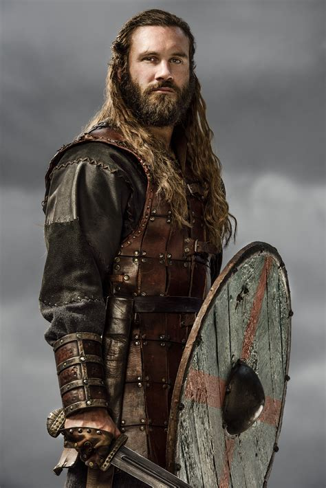 rollo lothbrok wikipedia clive standen vikings wiki vikings tv series images vikings rollo season 3 official