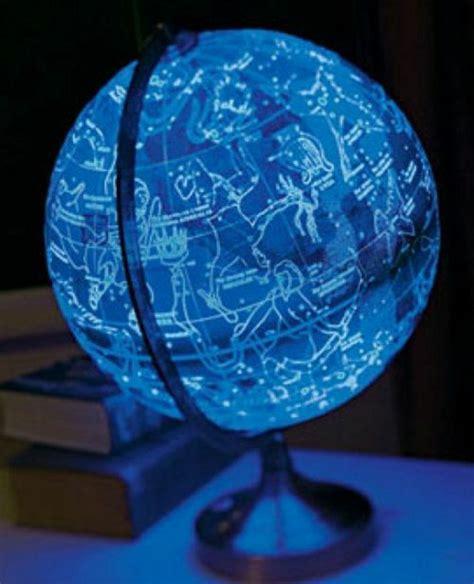 Globus Modern by Beleuchteter Globus Das Licht Der Kenntnis Archzine Net