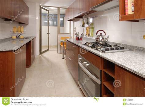 cuisine d appartement cuisine d appartement photographie stock libre de droits