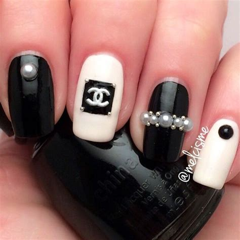 Ny Set Channel Polka 25 gorgeous chanel nails design ideas on