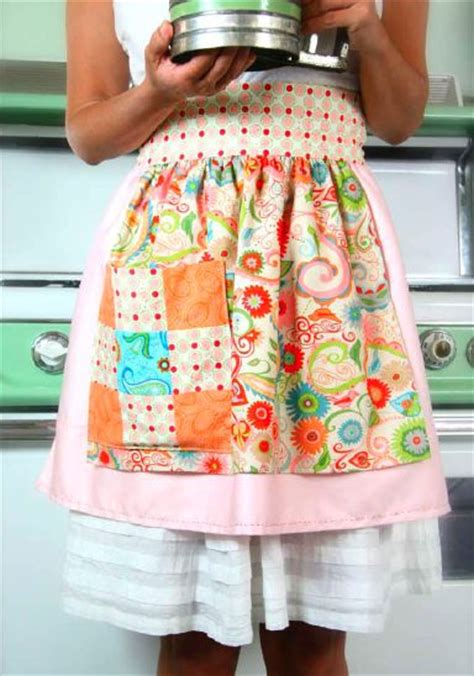 pattern for patchwork apron a pretty half apron with free comprehensive instruction