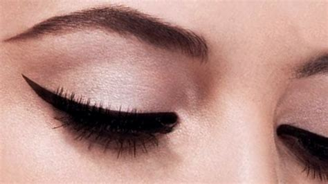 Eye Liner the gallery for gt thick winged eyeliner