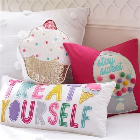 cupcake bedroom 25 best ideas about cupcake bedroom on yankee