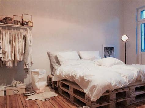 Bett Europaletten by 25 Best Ideas About Bett Holz On Bettgestelle