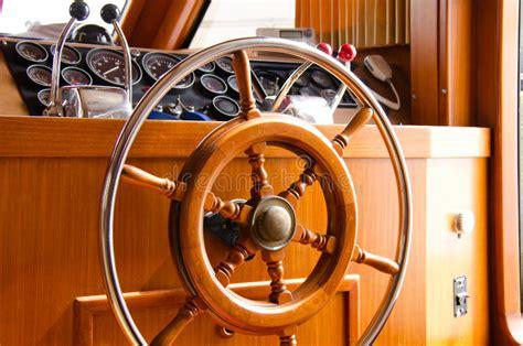 interno yacht collage della roba della barca a vela argano corde