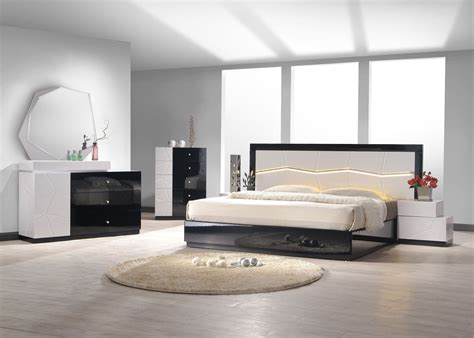 black lacquer bedroom set turin light grey and black lacquer platform bedroom set