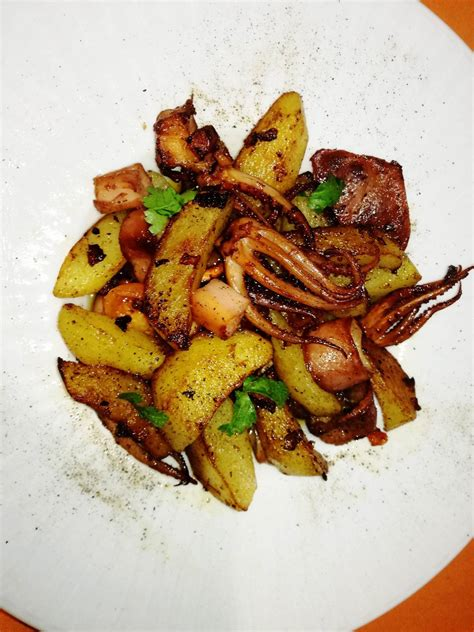 come cucinare calamari al forno calamari al forno con patate dorate cucina e non