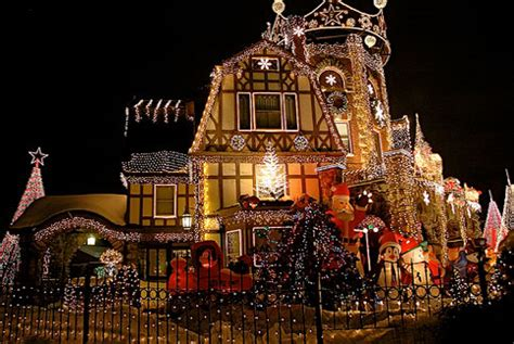 anyten 10 amazing houses with christmas light displays