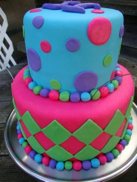 kuchen selber gestalten kuchen kindergeburtstag motivtorten fondant farben selber