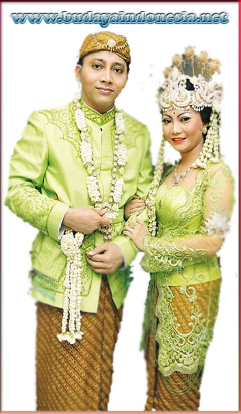 Baju Adat Sunda Kecil list of names pictures and custom clothing and its regions
