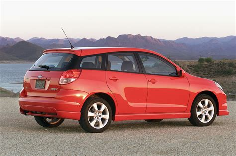 2004 Toyota Matrix Review 2004 Toyota Matrix Reviews And Rating Motor Trend