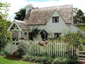English Cottage Style Homes by English Style Cottage Home Pinterest