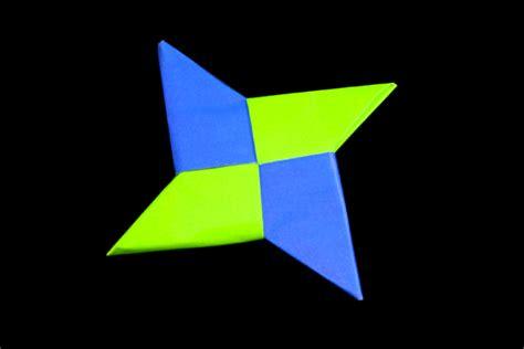 Throwing Origami - origami