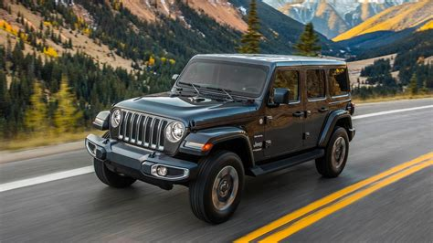 new jeep wrangler 2017 and 2018 2018 jeep wrangler sheds weight adds tech and 2 0l turbo