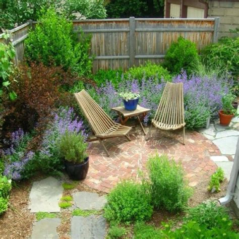 1000 Ideas About Small Garden Trees On Small