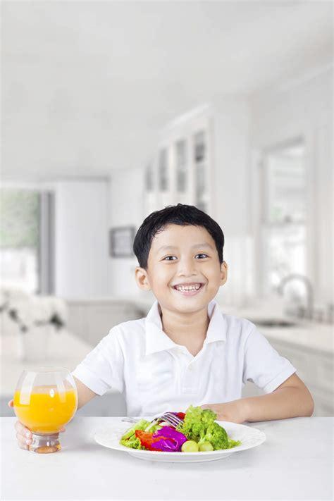 Meja Makan Anak gambar mengajarkan sopan santun meja makan anak sehat