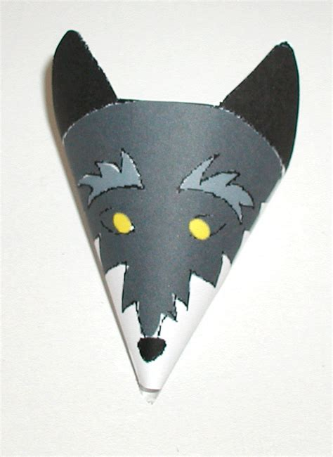 Wolf Paper Plate Craft - wolf crafts for to make