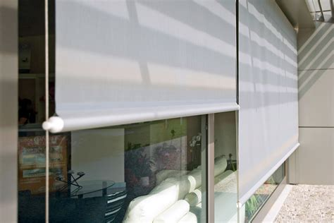 tenda a rullo da esterno tende da sole tende a rullo con cavi x1 pratic spa