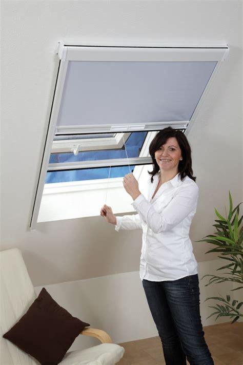 Insektenschutz Und Verdunkelungsrollo Für Dachfenster insektenschutz rollo fenster kombirollo fliegengitter