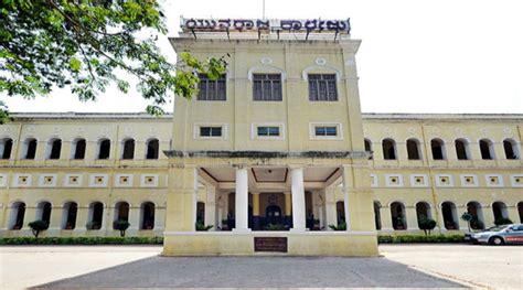Mba Colleges In Mysore by Aicte Terms Mba Course Offered By Yuvarajas Illegal