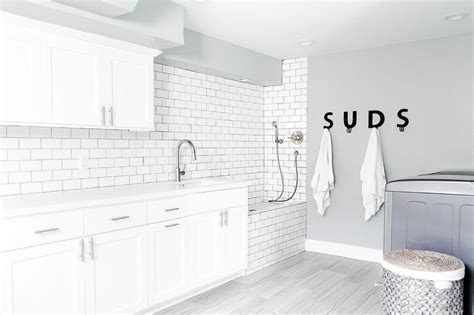 laundry room  suds sign cottage laundry room