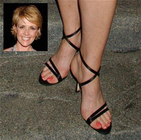 amanda tapping feet asean feet