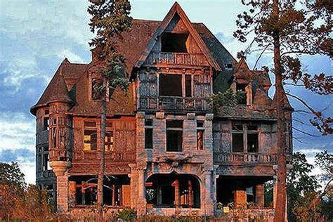 classic house sles the spookiest creepiest old houses for sale in america