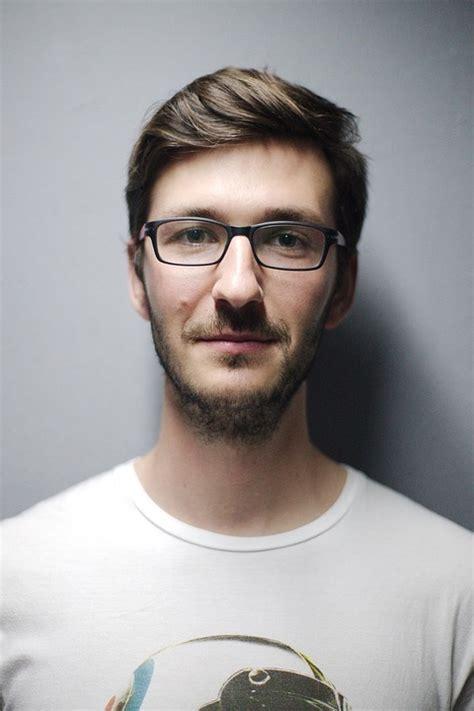 fotos para perfil varon foto gratis de la sonrisa perfil cara hombre imagen