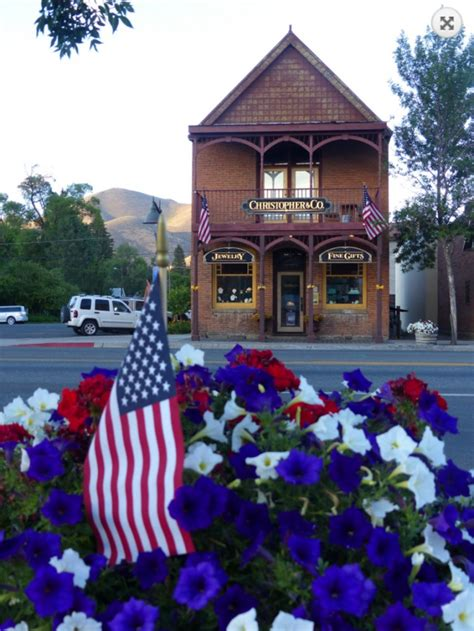 16 most charming small towns in america 16 most charming small towns in america
