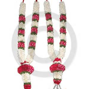 Flower Garlands For Indian Weddings Wedding Garlands Flowers By Weddingsonline India