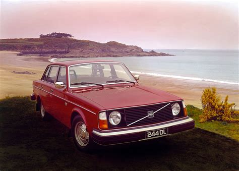 iconic volvo     years  carscoops