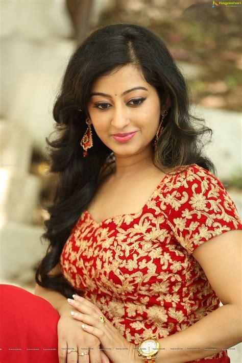 heroine tejaswini photos tejaswini prakash image 44 tollywood actress posters