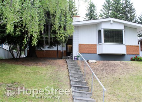 2 bedroom for rent in calgary garages 2 bedrooms brentwood mitula homes