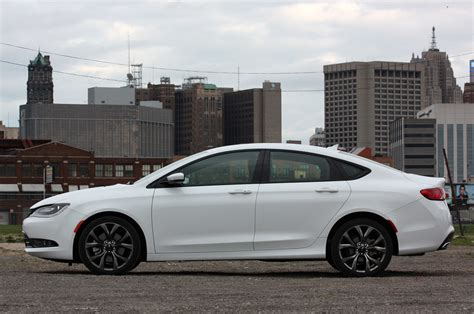 2015 Chrysler 200 S Review by 2015 Chrysler 200s Awd Review Photo Gallery Autoblog