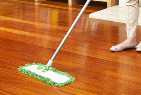 How To Mop Laminate Floors by Laminate Wood Flooring Cleaning Products Wooden Home