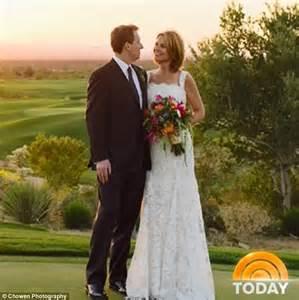 savannah guthrie engaged to michael feldman shows off today show host savannah guthrie announces she got married