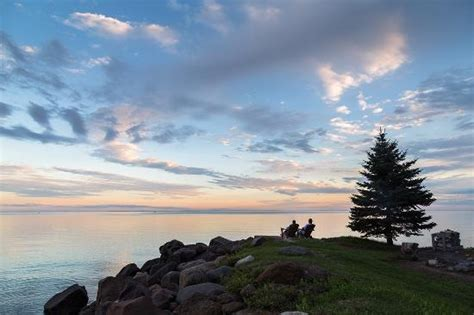 lake superior cottages relaxing by the pit picture of larsmont cottages on