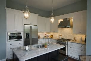 Medium Kitchen Remodeling and Design Ideas and Photos   Kitchen and Bath Factory, Inc. Serving