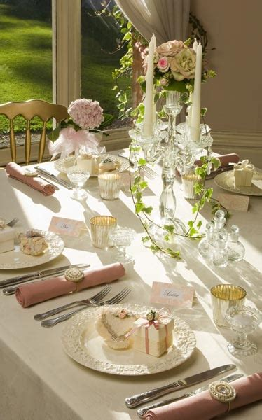 settling   table settings photo