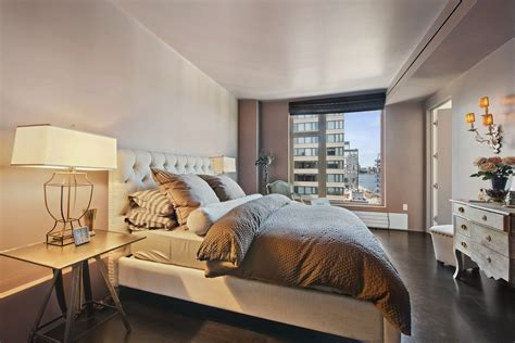 Nyc Apartment Bedroom Decorating Ideas by Apartment In Manhattan Keribrownhomes