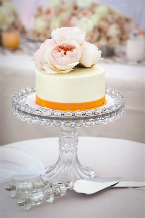 10 wedding cakes that almost look too pretty to eat huffpost