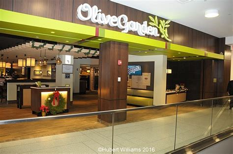 Is Olive Garden Open On by Olive Garden Opens In Harlem New York Amsterdam News