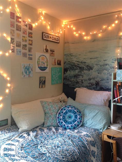 cool rooms decorating ideas fyeahcooldormrooms brown chlin collage brown